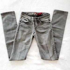 ❣movingSALE❣⭐NEW⭐ Guess - Super Slim Jeans